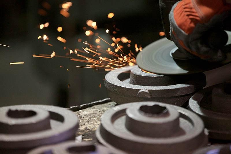 Grinding cast iron parts