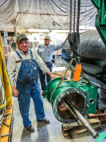 Mounting cylinder to engine frame